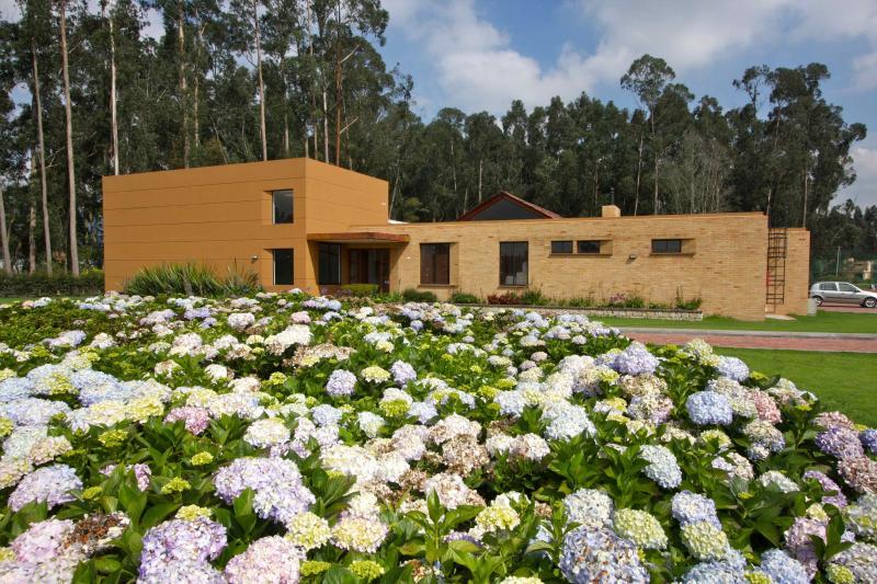 Venta de casa en chia sabana centro goplaceit for Casa moderna bogota