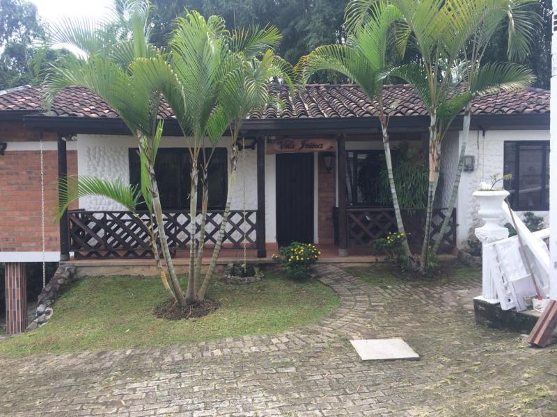 http://pictures.domus.la/inmobiliaria_294/592_0_31411484.jpeg
