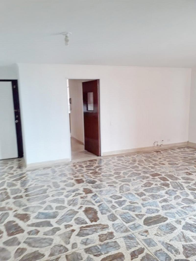 http://pictures.domus.la/inmobiliaria_294/907_0_69943143.jpeg