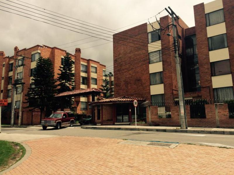 9299ed4e5f8d8 http   pictures.domus.la inmobiliaria 433 41 0 100770665.jpg. Apartamento  En Venta En Bogotá Suba ...
