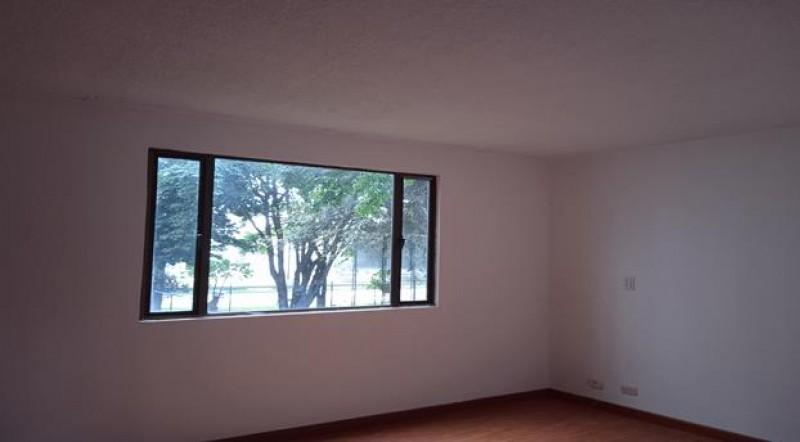 Encantador apartamento, estratégicamente ubicado, con amplios espacios, Ventilación ,iluminación natural para disfrutar en familia. cerca a parques  centros comerciales y colegios.