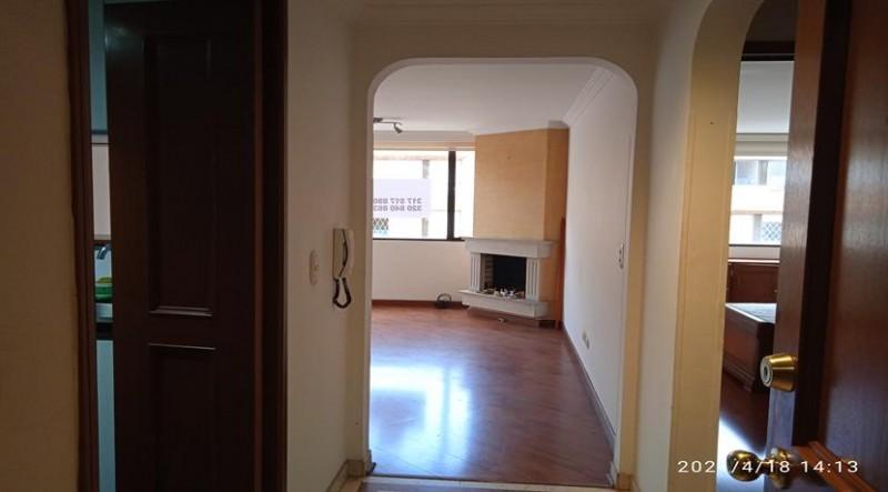 Apartamento con una excelente ubicación, buenas vías de acceso su distribución es  confortable  cocina tradicional sala comedor con chimenea, habitación amplia, baño y  parqueadero .