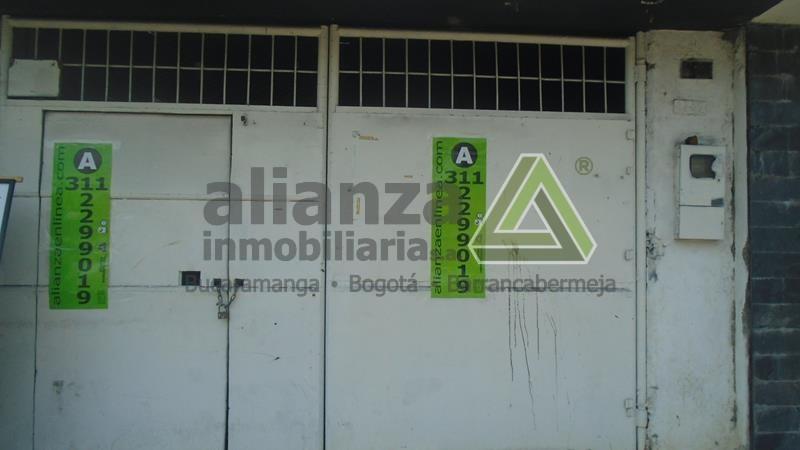 LOCAL UBICADO EN EL BARRIO COLOMBIA CONSTA DE SALON AMPLIO CON BAÑO, PORTON Y TIENE UN AREA DE 140M2 AGENDE SU CITA, TRAMITE SUPER FÁCIL Y SENCILLO. 1 SOLO DEUDOR SOLIDARIO.