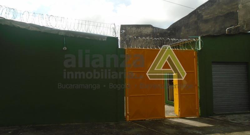 LOTE UBICADO EN EL SECTOR COMERCIAL, 445 M2, LOCAL CON COCINA TRADICIONAL, 1 BAÑO, AGENDE SU CITA, TRAMITE SUPER FÁCIL Y SENCILLO. 1 SOLO DEUDOR SOLIDARIO.