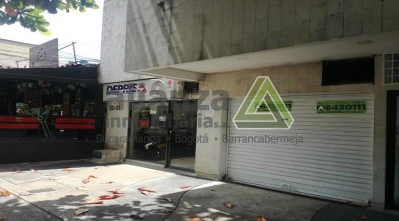 SE ARRIENDA LOCAL EN EXCELENTE SECTOR CERCA A ZONA DE BANCOS, UN AMBIENTE, UN BAÑO.