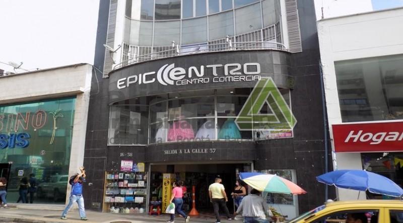 Local con excelente ubicación, centro de bucaramanga, Centro Comercial Epicentro, acceso por la calle 35 y 36 primer piso. 11 mts.