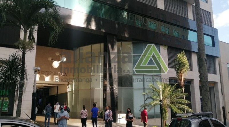 AMPLIA OFICINA EN EL SECTOR DE SOTOMAYOR, CENTRO EMPRESARIAL METROPOLITAN BUSINESS PARK OFICINA 812, CUENTA CON 1 BAÑO, VIGILANCIA LAS 24 HRS, SECTOR COMERCIAL, CERCA A CENTRO COMERCIALES, FACIL TRAMITE AGENDA TU CITA.