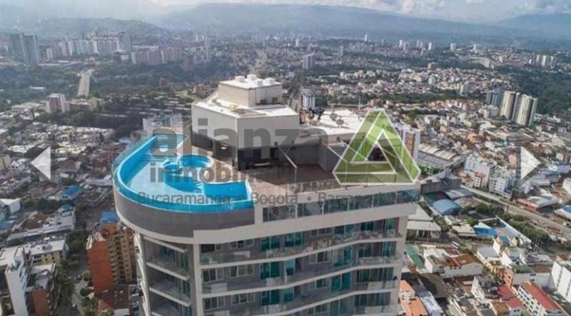 Excelente apartamento, central, Bolarqui, piso 32, 2 alcobas con closet, 2 baños, cocina integral, sala comedor, parqueadero, 80 mts, locker, piscina, gimnasio, BBQ,