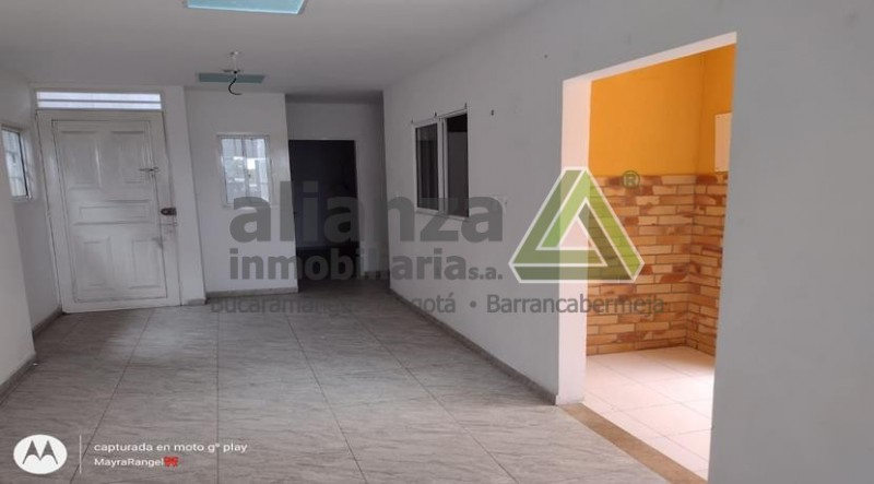 APARTAMENTO,3 ALCOBAS, SALA, COMEDOR, COCINA TRADICIONAL, PATIO DE ROPA. 67.74 M2..