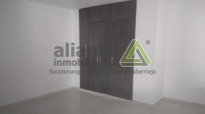 CASA, 3 ALCOBAS, 3 BAÑOS, SALA, COMEDOR, COCINA INTEGRAL, PATIO DE ROPA, 105M2