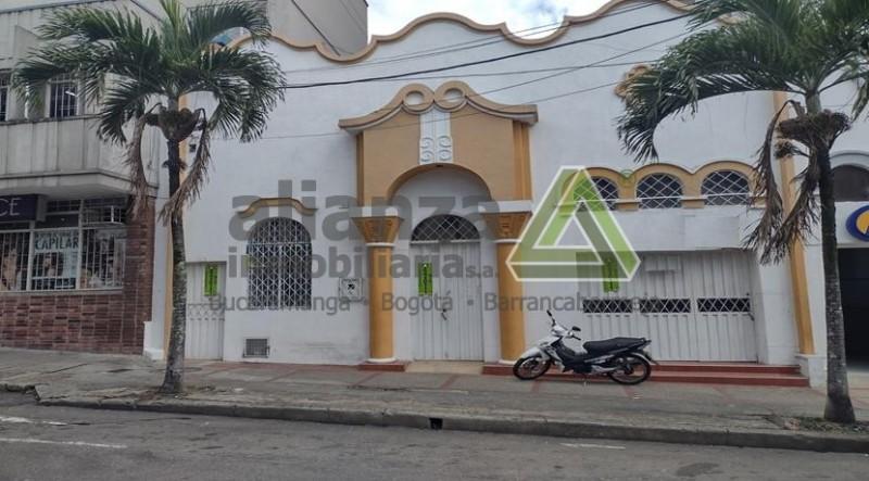 Casa lote para remodelar, ideal para comercio tipo 2, Frente de 9,25 M2 x 49 M2, Informes Joaquin Mendoza 3102165893