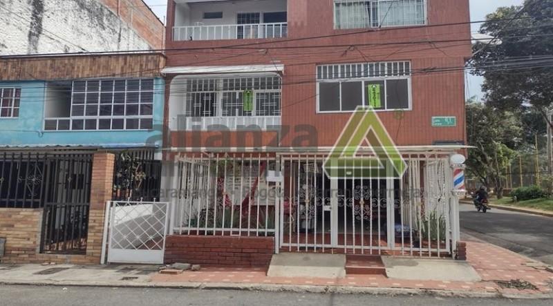 AMPLIO APARTAMENTO UBICADO EN EL BARRIO EL MUTIS DE BUCARAMANGA, PISO 2 CUENTA CON, 3 HABITACIONES CON CLOSET, COCINA INTEGRAL, SALA, COMEDOR, ZONA ROPAS, PATIO, CERCA A CENTROS COMERCIALES, PANADERIAS, COLEGIOS, FACIL TRAMITE AGENDA TU CITA...