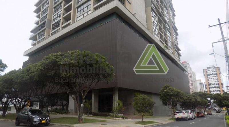 Estrenar Apartamento Bolarqui, 3 alcobas con closet, 2 baños, cocina integral, sala comedor, hall, balcon, 96 mts, parqueadero cubierto, locker.