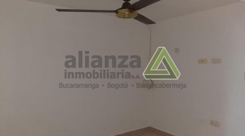 APARTAMENTO UBICADO EN EL BARRIO EL  PARNASO CONSTA DE SALA, COMEDOR, COCINA INTEGRAL, 1 HABITACION CON CLOSET, 1 BAÑO Y ZONA DE ROPA..