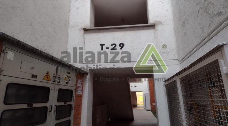 APARTAMENTO  MIRAFLORES BARRO BLANCO TEJADITOS PIEDECUESTA,VISTA EXTERIOR, 4 PISO , 2 HABITACIONES TODAS CON CLOSET, 2 BAÑOS, SALA COMEDOR, COCINA  INTEGRAL, ZONA DE ROPAS , ZONA SOCIAL CON PISCINA CANCHAS JUEGOS INFANTILES, SALÓN SOCIAL PARQUEADERO COMUNAL, AGENDA TU CITA SIN COSTO, REQUISITOS MÍNIMOS