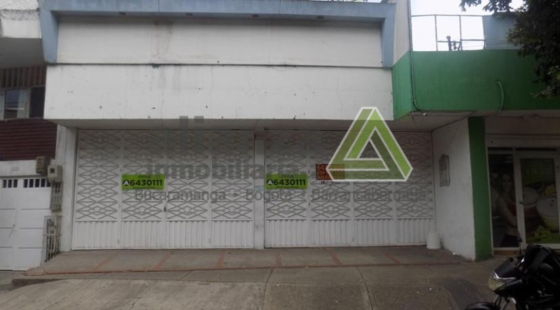 Local La Ceiba, 100 mts, 1 salon amplio, sobre via principal, 2 baños, uso de suelo comercio tipo 2.