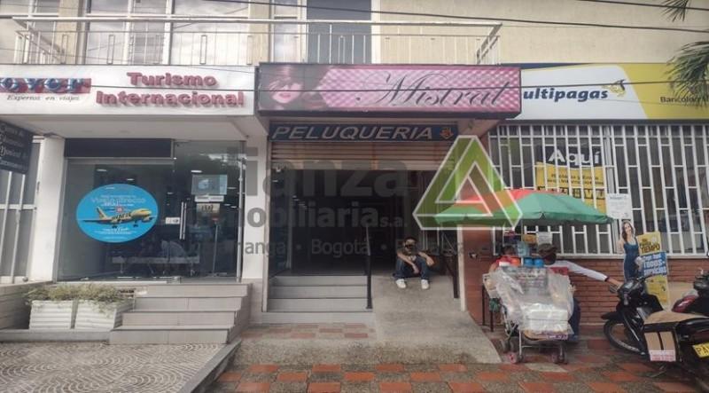 AMPLIO LOCAL UBICADO EN EL BARRIO CABECERA DE BUCARAMANGA, CUENTA CON 3 SALONES, 2 BAÑOS, EXCELENTE UBICACION, A UNAS CUADRAS DE LOS CENTROS COMERCIALES, FACIL ACCESO Y UBICACION, FACIL TRAMITE AGENDA TU CITA.