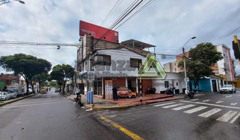 Apartaestudio Barrio Alfonso Lopez, 1 alcoba con closet, 1 baño, cocina tradicional con estufa, sala comedor, 30 mts, segundo piso.