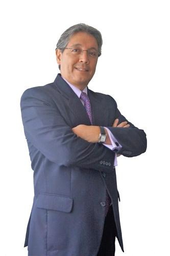 Roberto Linares C