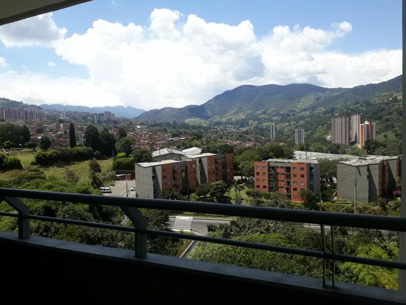 Apartamento En Arriendo/venta En Itagui Ditaires