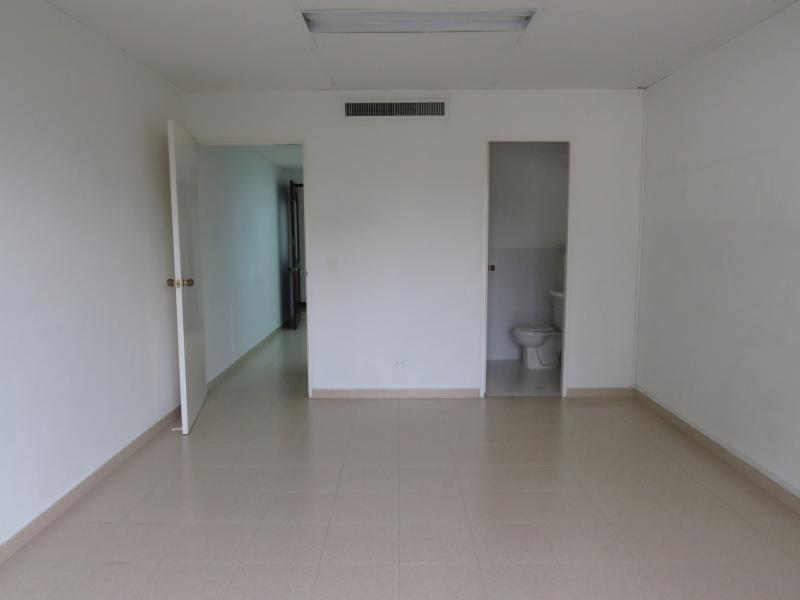Oficina En Arriendo En Medellin Patio Bonito