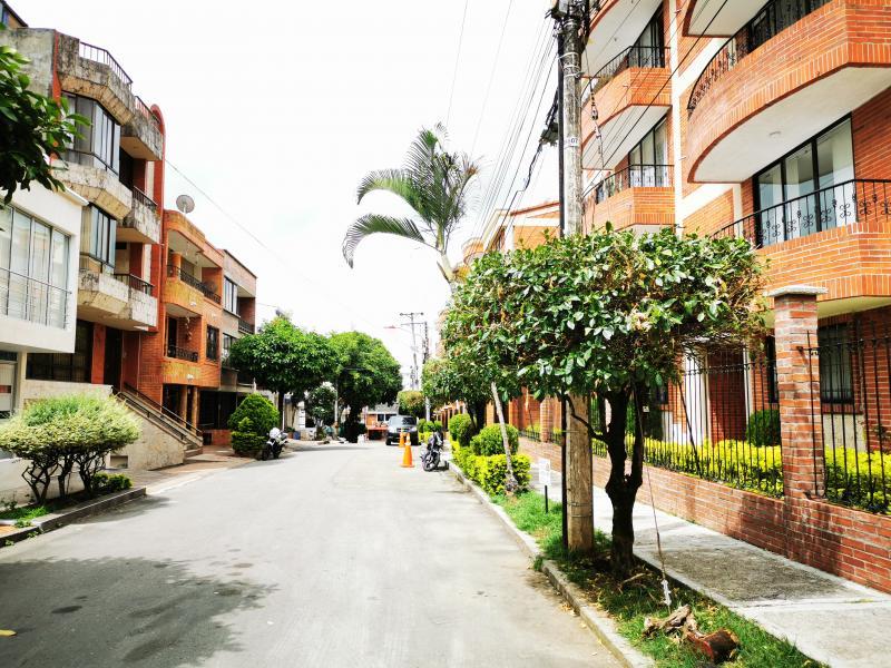 EDIFICIO SOTAVENTO PRADOS DEL NORTE PISO 4 SIN ASC