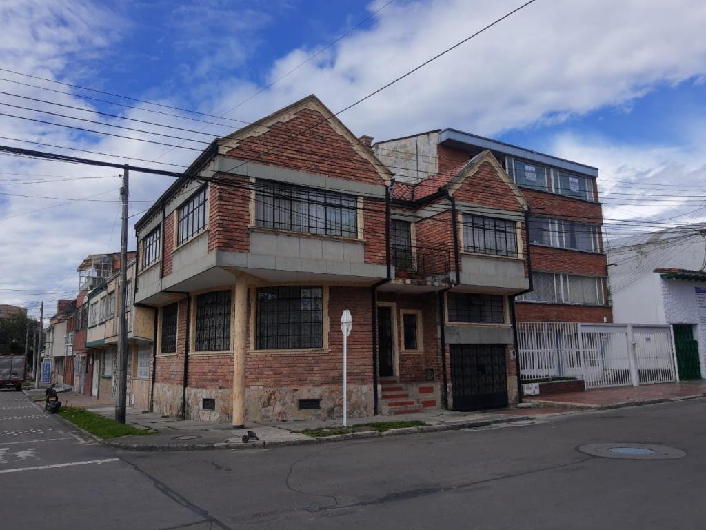 https://pictures.domus.la/inmobiliaria_234/6387_20_25110206.jpeg