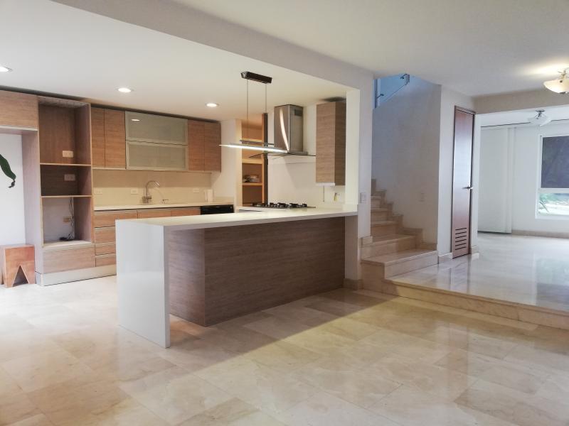 https://pictures.domus.la/inmobiliaria_294/1052_5_63335255.jpg