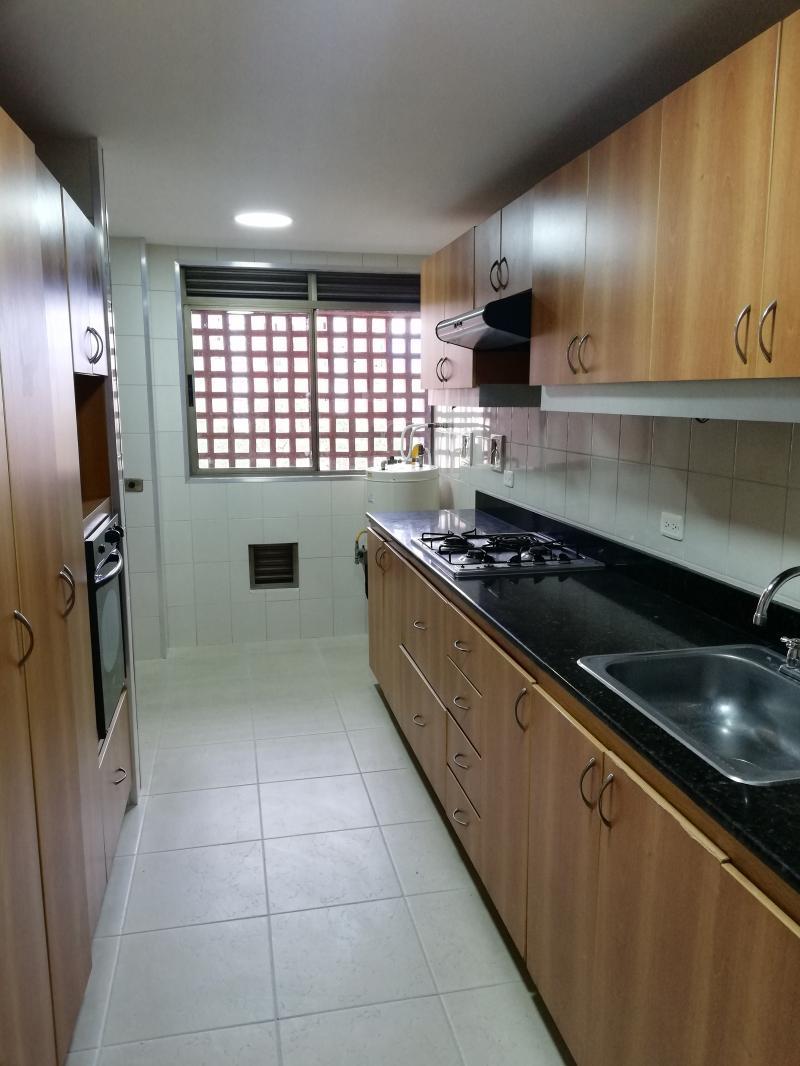 https://pictures.domus.la/inmobiliaria_294/1053_19_65357595.jpg