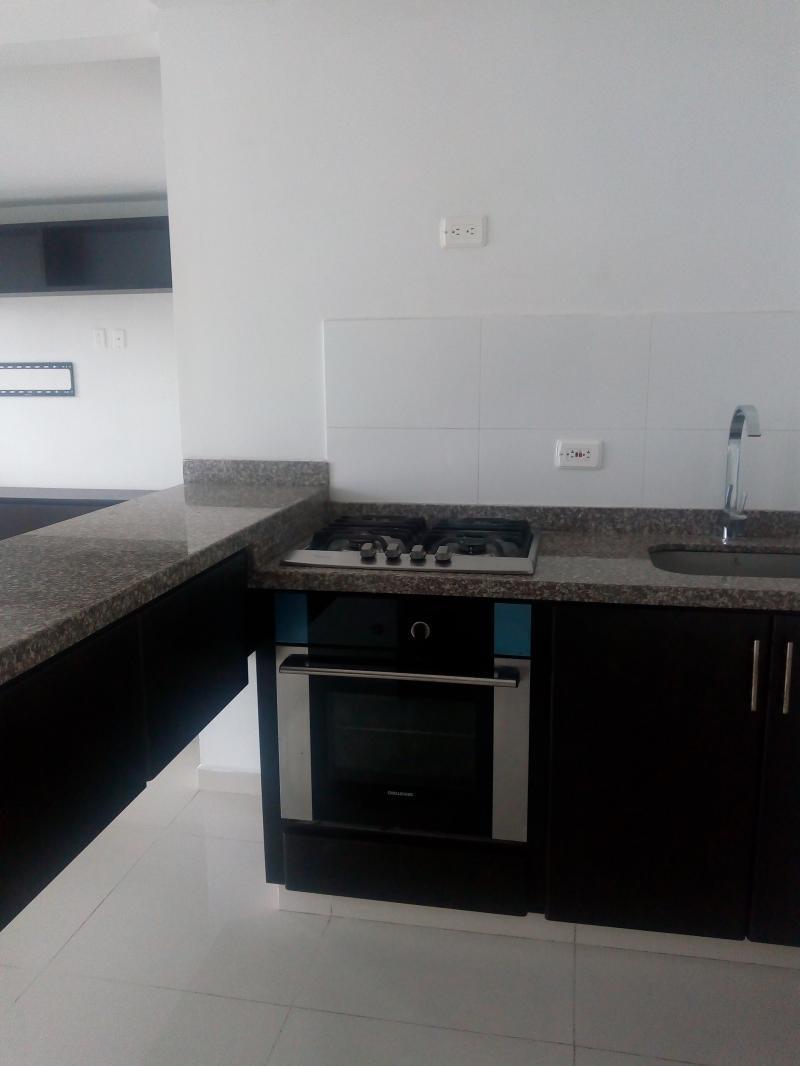 Imagen https://pictures.domus.la/inmobiliaria_301/85989_3_56005837.jpg