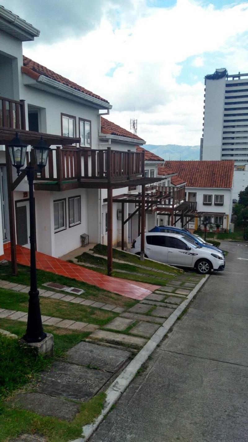 Imagen https://pictures.domus.la/inmobiliaria_301/86856_0_5868708.jpg