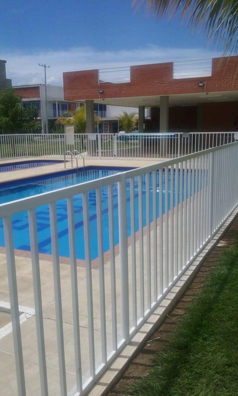 Imagen https://pictures.domus.la/inmobiliaria_301/87722_6_48563686.jpg