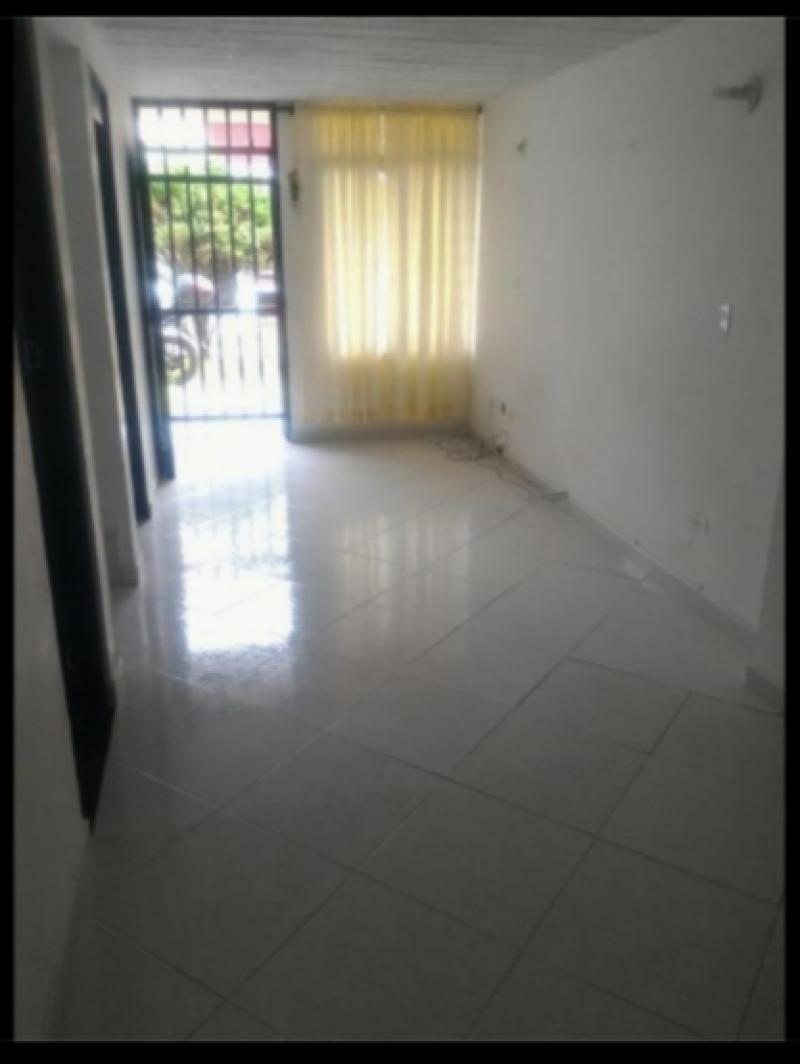 Imagen https://pictures.domus.la/inmobiliaria_301/87742_3_41779742.jpg