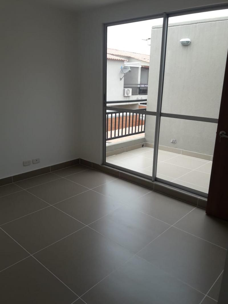 Imagen https://pictures.domus.la/inmobiliaria_301/88729_8_103904449.jpg