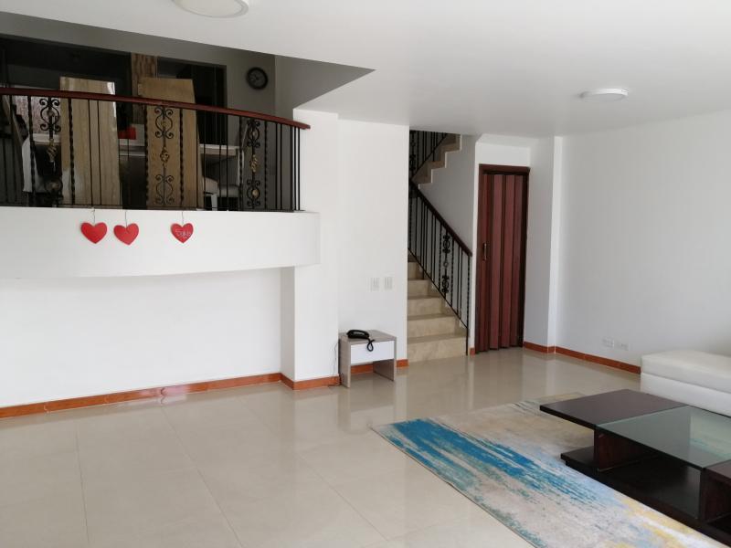 Imagen https://pictures.domus.la/inmobiliaria_301/89395_5_31222665.jpg