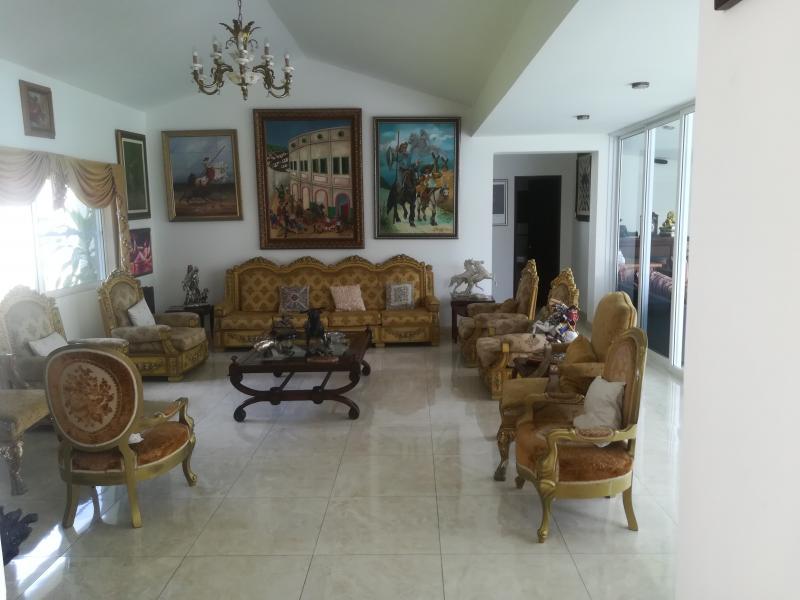 Imagen https://pictures.domus.la/inmobiliaria_301/90222_25_26061923.jpg