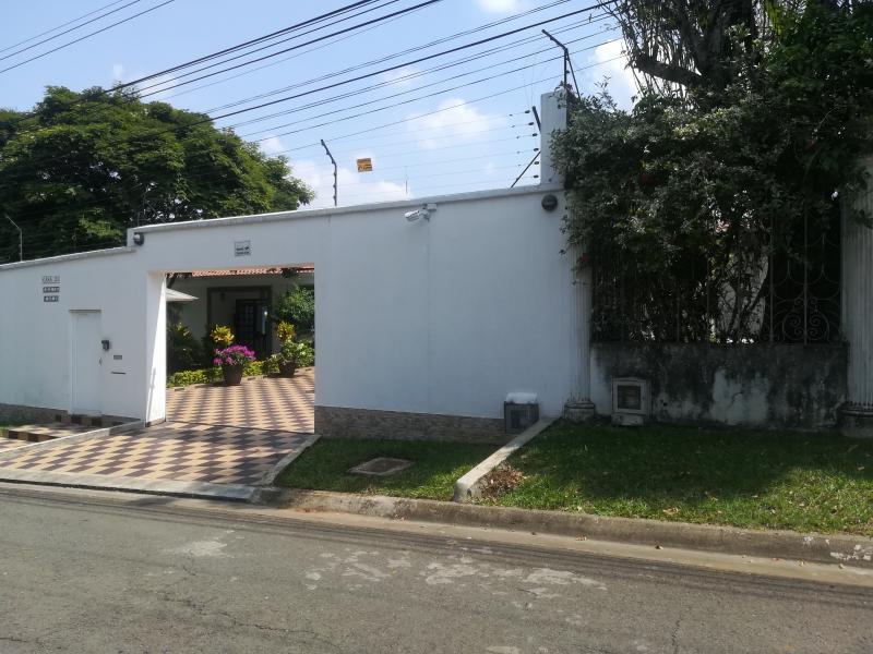 Imagen https://pictures.domus.la/inmobiliaria_301/90222_28_5428374.jpg