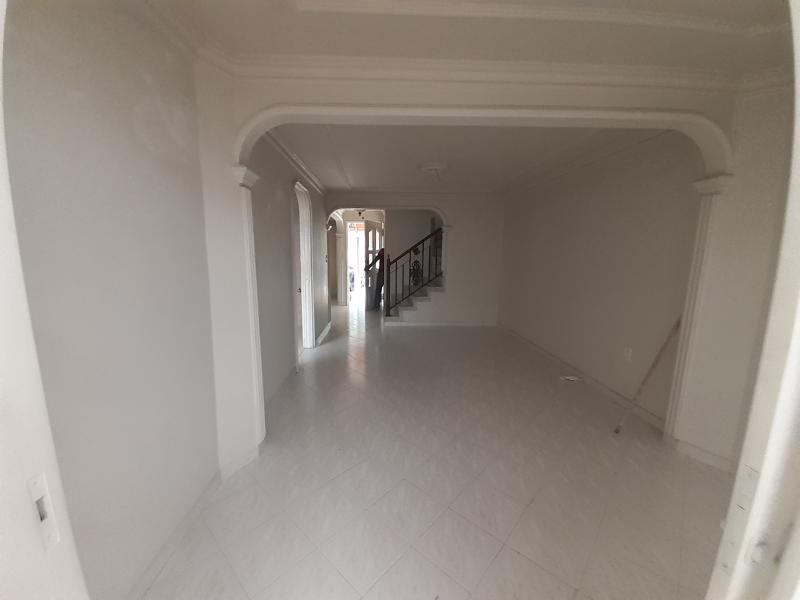 Imagen https://pictures.domus.la/inmobiliaria_301/90402_23_66719495.jpg