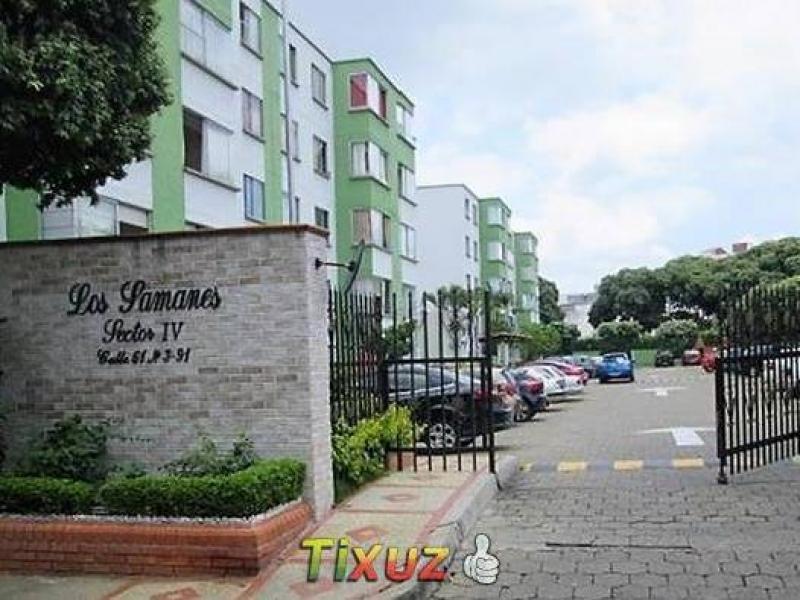 Apartamento en Conjunto Samanes V