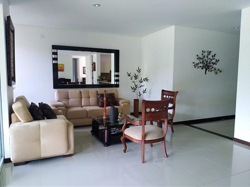 Imagen https://pictures.domus.la/inmobiliaria_301/90736_2_48963672.jpeg