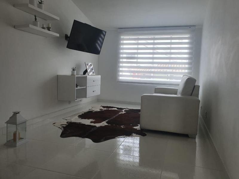 Imagen https://pictures.domus.la/inmobiliaria_301/90747_16_88557019.jpeg
