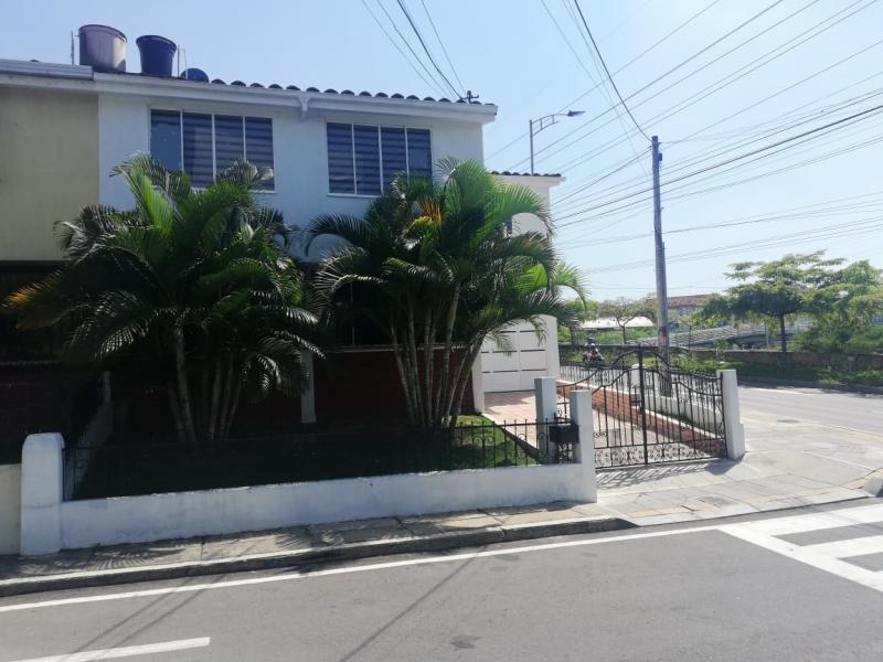 Imagen https://pictures.domus.la/inmobiliaria_301/90747_24_119871007.jpeg