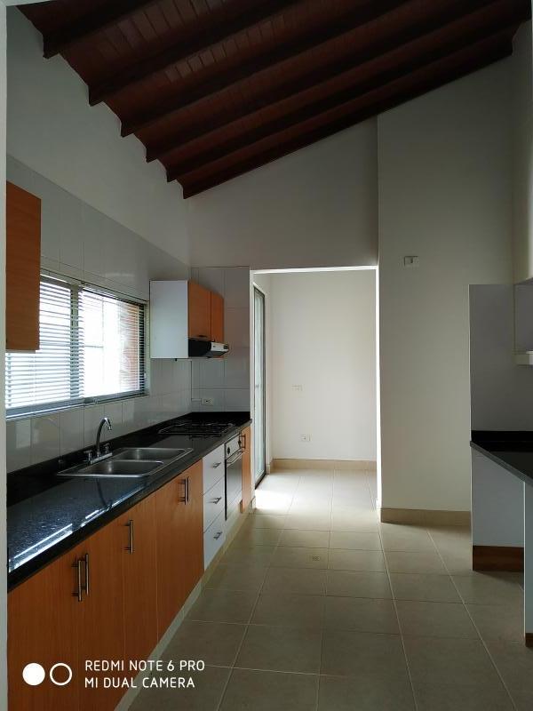 Imagen https://pictures.domus.la/inmobiliaria_301/90751_14_1762857.jpg