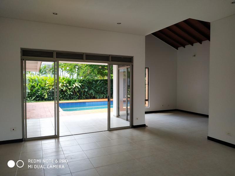 Imagen https://pictures.domus.la/inmobiliaria_301/90751_2_110984713.jpg