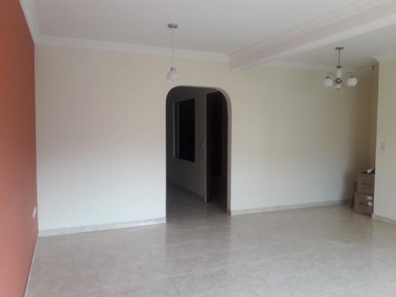 Imagen https://pictures.domus.la/inmobiliaria_301/90825_0_53038216.jpeg