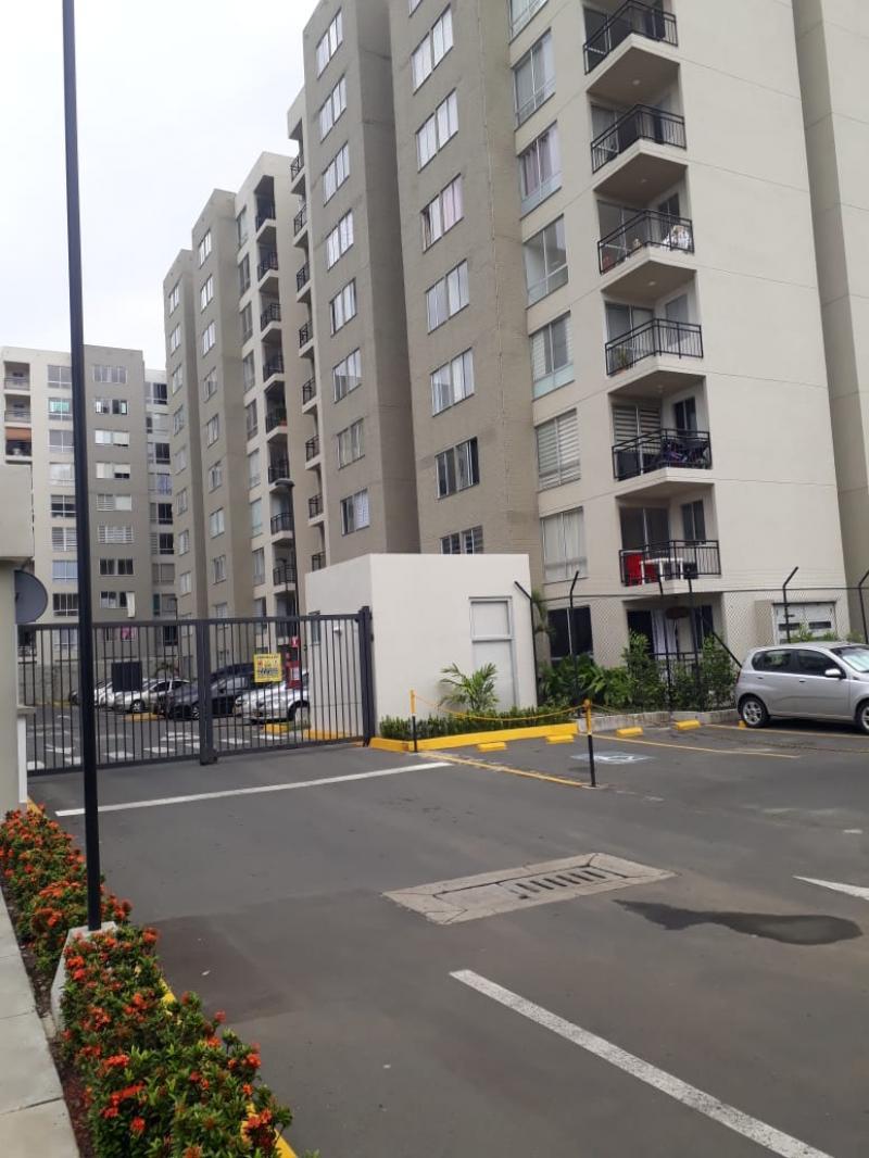 Imagen https://pictures.domus.la/inmobiliaria_301/91302_17_61544939.jpg