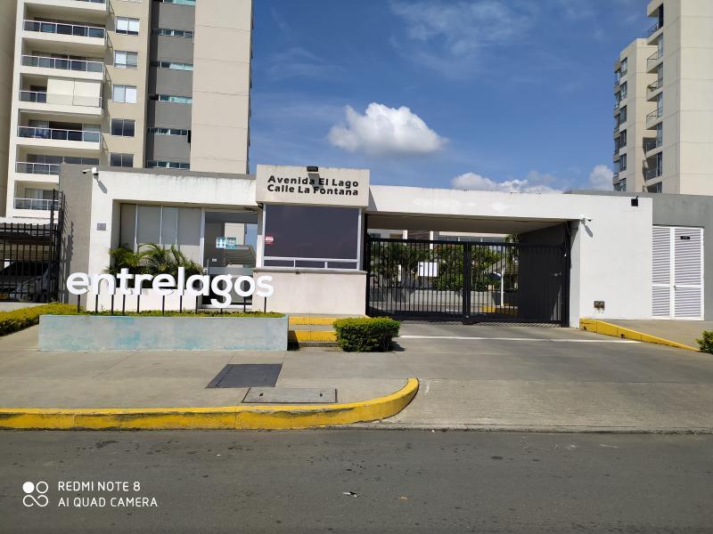 Imagen https://pictures.domus.la/inmobiliaria_301/92251_29_104273852.jpg