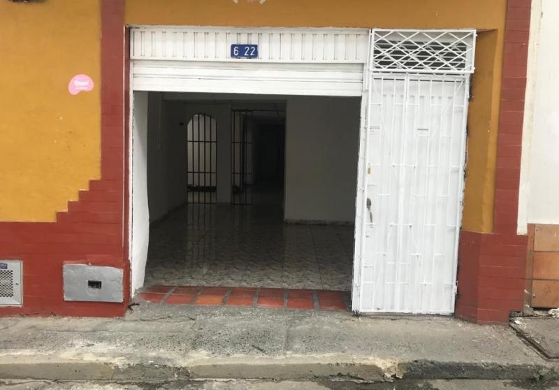 CASA-LOCAL en ARRIENDO