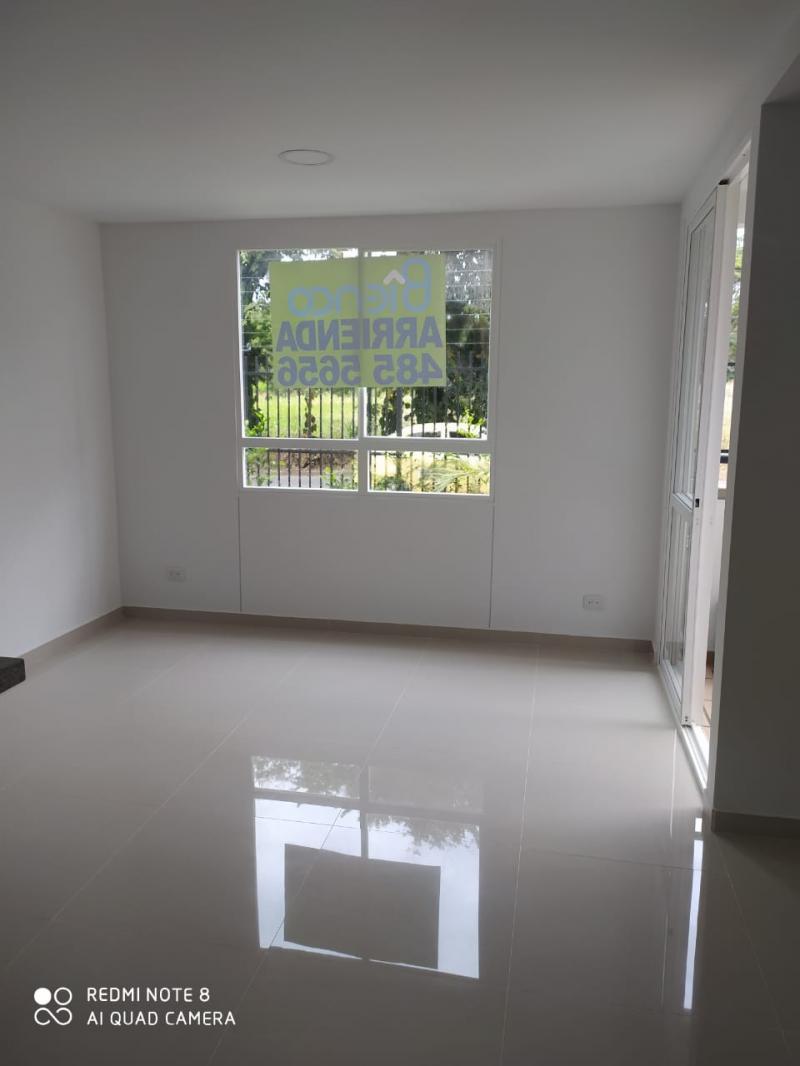 Imagen https://pictures.domus.la/inmobiliaria_301/92345_0_56929120.jpg
