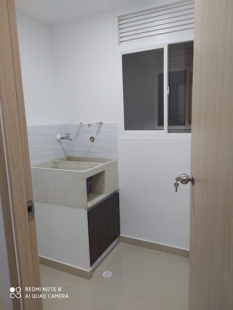 Imagen https://pictures.domus.la/inmobiliaria_301/92345_9_17792705.jpg
